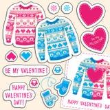 Sistema de etiquetas engomadas del amor del invierno con el búho y el corazón. Suéter, manoplas Imagen de archivo libre de regalías