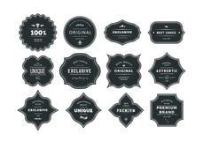 Sistema de etiquetas negras diseñadas retras con los marcos Fotos de archivo