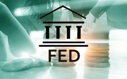 Sistema de Federal Reserve - FED Concepto de la econom?a de las actividades bancarias Fondo de la exposici?n doble fotografía de archivo libre de regalías
