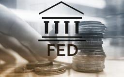 Sistema de Federal Reserve - FED Concepto de la econom?a de las actividades bancarias Fondo de la exposici?n doble imagenes de archivo