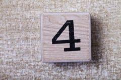 Sistema de figuras en los cubos de madera 4 Fotografía de archivo libre de regalías