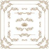 Sistema de fronteras decorativas del oro, marco del vector Fotos de archivo