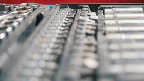 Sistema de herramienta en maleta, sistema de los pedazos desprendibles para los destornilladores almacen de metraje de vídeo