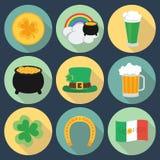 Sistema de iconos el día de St Patrick Estilo plano Sombra Fotos de archivo