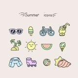 Sistema de iconos lindos del verano foto de archivo libre de regalías