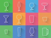 Sistema de iconos planos de los vidrios, de las copas y de las tazas Imágenes de archivo libres de regalías