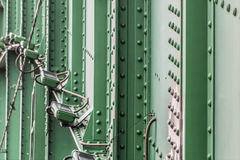 Sistema de iluminação da noite da ponte de Sava velho com S rebitado aço Foto de Stock Royalty Free