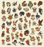 Sistema de imagen exhausto del vector del icono del tatuaje de la escuela vieja de 52 manos ilustración del vector