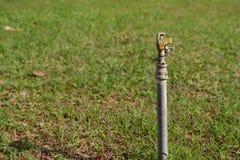 Sistema de irrigación del jardín imágenes de archivo libres de regalías