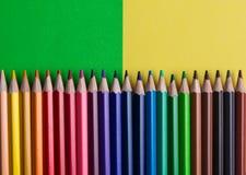Sistema de lápices o de creyones coloreados coloridos multicolores Fotografía de archivo libre de regalías