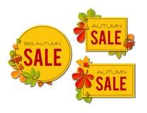 Sistema de la bandera de la venta con las hojas de otoño brillantes aisladas en el fondo blanco Imagen de archivo
