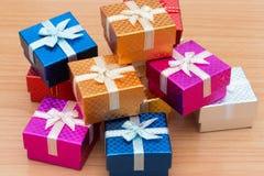 Sistema de la caja de regalo Fotografía de archivo libre de regalías