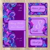 Sistema de la invitación de boda de las plumas del pavo real Ejemplo imprimible del vector Imagen de archivo