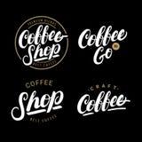 Sistema de la mano del café escrito poniendo letras a los logotipos, etiquetas, insignias Imagenes de archivo