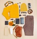 Sistema de la moda de ropa y de accesorios para la caída Fotos de archivo libres de regalías