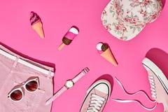 Sistema de la muchacha del inconformista del verano Diseño de la moda, mínimo Foto de archivo libre de regalías
