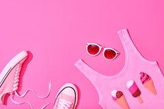 Sistema de la muchacha del inconformista del verano Diseño de la moda, mínimo Fotos de archivo libres de regalías
