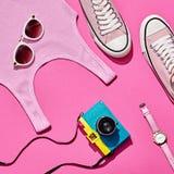 Sistema de la muchacha del inconformista del verano Diseño de la moda, mínimo Fotografía de archivo