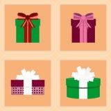 Sistema de la Navidad con las cajas de regalo para los presentes Foto de archivo libre de regalías
