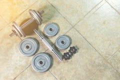 Sistema de la pesa de gimnasia Imágenes de archivo libres de regalías