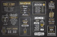 Sistema de la pizarra del menú de los cócteles, carteles dibujados mano stock de ilustración