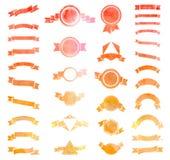 Sistema de la ronda roja, anaranjada y amarilla del vintage de la acuarela, triangl stock de ilustración