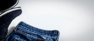 Sistema de la ropa de los hombres en el fondo blanco Imagen de archivo libre de regalías