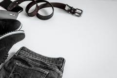 Sistema de la ropa de los hombres en el fondo blanco Fotografía de archivo
