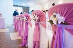 Sistema de la silla para casarse u otra cena abastecida del evento Fotografía de archivo