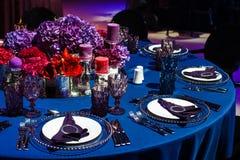 Sistema de la tabla para casarse u otra cena abastecida del evento Foto de archivo