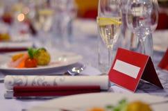 Sistema de la tabla para casarse u otra cena abastecida del evento Foto de archivo libre de regalías
