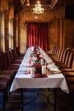 Sistema de la tabla para casarse u otra cena abastecida del evento Fotos de archivo libres de regalías
