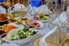 Sistema de la tabla para casarse u otra cena abastecida del evento Fotos de archivo
