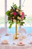 Sistema de la tabla para casarse u otra cena abastecida del evento Fotografía de archivo
