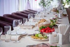 Sistema de la tabla para un banquete fotos de archivo