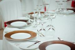 Sistema de la tabla para un partido o una recepción nupcial del evento Fotografía de archivo libre de regalías