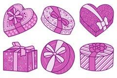 Sistema de las cajas rosadas y carmesís para los regalos para cualquier día de fiesta Foto de archivo libre de regalías