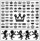 Sistema de las coronas y del león desenfrenados Colección del diseño de los elementos de la heráldica Foto de archivo libre de regalías