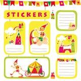 Sistema de las etiquetas engomadas y de las etiquetas de los niños. ilustración del vector