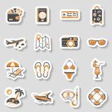 Sistema de las vacaciones y de la etiqueta engomada de los iconos del turismo Imagen de archivo libre de regalías