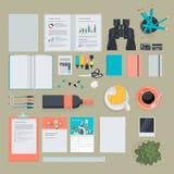 Sistema de los artículos planos del diseño para el negocio, finanzas, comercializando Foto de archivo libre de regalías
