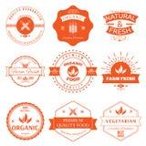 Sistema de los elementos styles del vintage para las etiquetas y de las insignias para el alimento biológico ilustración del vector