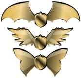 Sistema de los escudos Winged aislados ilustración del vector