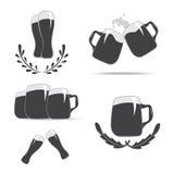 Sistema de los iconos de la taza para la cerveza Fotografía de archivo