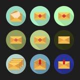 Sistema de los iconos planos para los mensajes Ilustración del vector Imágenes de archivo libres de regalías