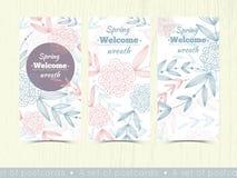 Sistema de los modelos para las tarjetas de felicitación con las flores y las hojas Foto de archivo libre de regalías