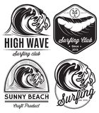 Sistema de los modelos para los logotipos en el tema del agua, practicando surf, océano, mar del diseño Imagen de archivo