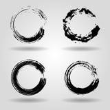 Sistema de los movimientos del cepillo del círculo del grunge para los marcos, iconos, EL del diseño Foto de archivo libre de regalías