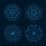Sistema de los parecer étnicos de Mandala Vector Meditation Tattoo del fractal el copo de nieve o Maya Aztec Pattern o flor aisla Imagenes de archivo