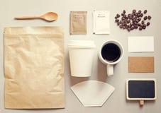 Sistema de marcado en caliente de la maqueta de la identidad del café Imágenes de archivo libres de regalías